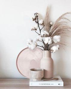 Dried Flower Arrangements, Dried Flowers, Vase Arrangements, Interior Design Images, Design Websites, Modern House Design, Modern Houses, Minimalist Home, Garden Projects