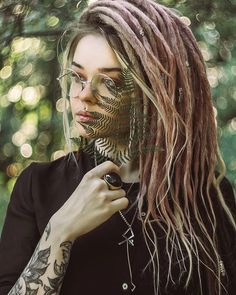 We Love Dreadlocks White Girl Dreads, Dreads Girl, Blonde Dreadlocks, Dread Braids, Box Braids, Natural Dreads, Beautiful Dreadlocks, Color Rubio, Hippie Hair