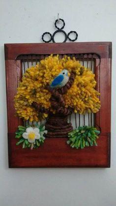 telar mural decorativo - Buscar con Google Tapestry Weaving, Loom Weaving, Needlepoint Stitches, Needlework, Weaving Patterns, Make And Sell, Grapevine Wreath, Needle Felting, Fiber Art