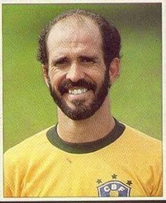 Sport Club Corinthians Paulista - Mario Sérgio Pontes de Paiva defendeu a Seleção Brasileira como jogador, foi treinador e dirigente do Corinthians e atualmente trabalhava como comentarista na Fox Sports. Ele fazia parte da equipe que cobriria o jogo da Chapecoense e também foi vítima do terrível acidente ocorrido em 29/11/2016. Descanse em paz.