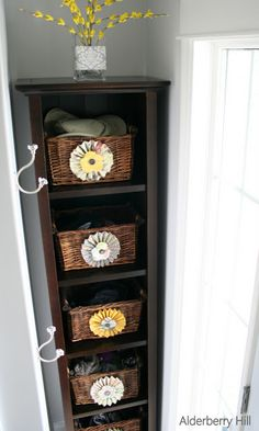 Front Porch Makeover & How to Dress Up Wicker Baskets