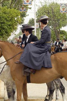 La vestimenta de la amazona http://www.dearenaysal.com/es/blog/la-vestimenta-de-la-amazona.html