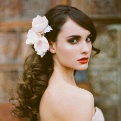 Five gorgeous wedding hairstyles that command attention. Image from Erica Elizabeth Design.