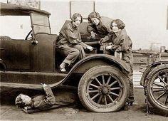 Female Mechanics 1927.