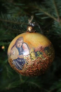 decoupage bauble