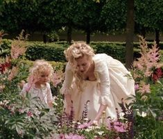 Image uploaded by 𝒜𝓇𝓉𝒾𝓈𝓉𝒾𝒸 𝒮ℴ𝓊𝓁. Find images and videos about marie antoinette, Sofia Coppola and rose byrne on We Heart It - the app to get lost in what you love. Sofia Coppola, Versailles, Kirsten Dunst, Marie Antoinette Film, Marie Antoinette Costume, Lost Stars, Princess Aesthetic, Mom Advice, Madame