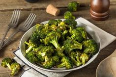 Roasted Sesame Broccoli Side Dish recipe, Bite – visit Eat Well for New Zealand recipes using local ingredients - Eat Well (formerly Bite) Roasted Broccoli Recipe, Broccoli Recipes, Veggie Side Dishes, Food Dishes, Diabetes Foods To Avoid, Paprika Recipes, How To Cook Broccoli, Alkaline Foods, Food Hacks
