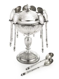 A Russian silver caviar serving set, Ovchinnikov, Moscow, 1889 | Lot | Sotheby's