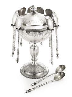 A Russian silver caviar serving set, Ovchinnikov, Moscow, 1889 | Lot | Sotheby's