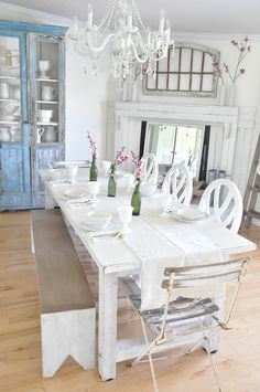 Buckets of Burlap Spring Home Tour. Farmhouse Friday, farmhouse style, farmhouse dining room, farmtable, mantle, spring decor, vintage, country farmhouse style