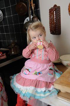 Girl's apron Cupcake