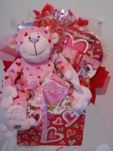 Love Monkey Valentine basket