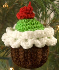 Cupcake Ornament Free Crochet Pattern from Red Heart Yarns