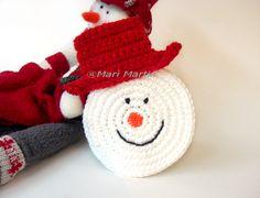 Adorable snowman coasters