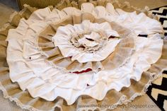 no sew ruffled burlap and lace tree skirt