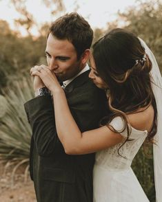 Wedding Picture Poses, Wedding Photography Poses, Wedding Portraits, Wedding Pictures, Mehendi Photography, Photography Ideas, Couple Photography, Bride And Groom Pictures, Wedding Couple Photos