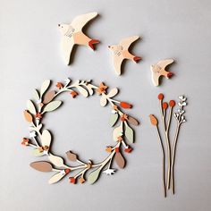Lots of ideas for Christmas over at www.annawiscombe.com! Wall birds, winter wreaths, wooden flowers and much more too! #annawiscombe #handmade #swallows #christmas #christmaswreath #christmasgiftideas #woodenflowers #meadowflowers #wallbirds