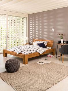 Micasa Schlafzimmer mit Bett OAKLINE WILD Floor Chair, House Plans, Toddler Bed, Flooring, How To Plan, Interior Design, Furniture, Home Decor, Home Decoration