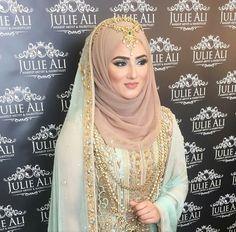 25 Beautiful Bridal Hijab Designs for Wedding – SheIdeas Hijabi Wedding, Pakistani Wedding Outfits, Designer Bridesmaid Dresses, Muslim Brides, Pakistani Wedding Dresses, Pakistani Bridal, Bridal Outfits, Bridal Dresses, Indian Bridal