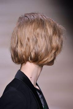 Die 9 Besten Bilder Von Nazanin Mandi Haircuts Short Hair Und Braid