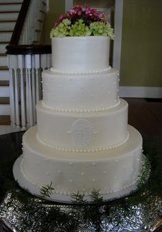 Wedding cake (simple yet gorgeous)