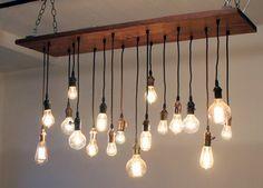 Lustre de bois Grange régénéré avec différentes ampoules Edison sur Etsy, 796,18 €