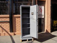 Caja De Seguridad Bash / Gris / Doble Clave / Usada / 9 – ChileRemates.cl http://www.chileremates.cl/varios/cajas-de-seguridad-usadas/