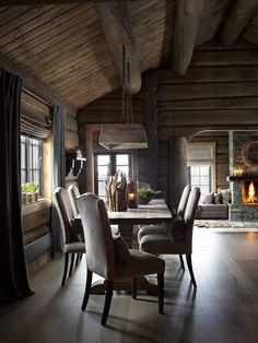 If you are decorating your chalet or wooden cabin, these ideas may be of use for you. Today we are having a look at chalet dining rooms and zones . Chalet Design, House Design, Chalet Style, Cabin Interiors, Rustic Interiors, Chalet Interior, Interior Design, Log Cabin Homes, Cabins And Cottages