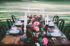 rose-dark-romantic-wedding-table-styling-inspiration5