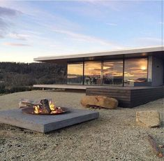 Modern house design and architecture: Contemporary house by Stuart Tanner . - Modern house design and architecture: Contemporary house by Stuart Tanner … - Architecture Design, Residential Architecture, Casas Containers, Design Exterior, Modern House Design, Loft Design, Future House, House Plans, Backyard