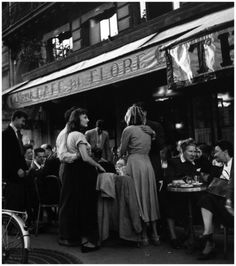Robert Doisneau Cafe de Flore 1947