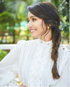Shraddha Kapoor Beautiful In Mini White Dress. Bollywood Actress Shraddha Kapoor looking elegantly Beautiful in a new white mini dress. Check these latest pics. Shraddha Kapoor Beautiful In Mini White Dress College Hairstyles, Celebrity Hairstyles, Easy Hairstyles, Girl Hairstyles, Cute Simple Hairstyles, Casual Hairstyles, Beautiful Bollywood Actress, Beautiful Indian Actress, Beautiful Women