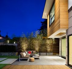 Award Winning High Class Ultra Green Home Design In Canada: Midori Uchi