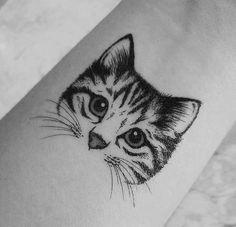 – Page 12 of 62 Cat tattoo – Fashion Tattoos Neue Tattoos, Body Art Tattoos, Small Tattoos, Tattoo Minimaliste, Cat Tattoo Designs, Kitty Tattoos, Shape Tattoo, Geniale Tattoos, Tattoo Trends