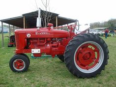 IH Super M Antique Tractors, Vintage Tractors, Antique Cars, Farmall Super M, Farmall Tractors, Forever Red, Red Tractor, Classic Tractor, Old Farm Equipment