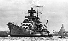 KSM Scharnhorst - Incrociatore da battaglia classe Scharnhorst - Entrata in servizio 7 gennaio 1939 - Dislocamento standard: 31.552 t a pieno carico: 38.900 Lunghezza complessiva: 235,4 sulla linea di galleggiamento: 229,8 m Larghezza 30 m Pescaggio (a 38.100 t) 9,93 m Velocità 31,65 nodi (58,6 km/h) Autonomia 10.100 mn a 19 nodi (18.700 km a 35 km/h) Equipaggio 1,968 (60 ufficiali, 1.909 marinai) - Affondata nella Battaglia di Capo Nord, 26 dicembre 1943 - solo 36 sopravvissuti.