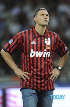 Marco Van Basten, Milan Wallpaper, Uefa European Championship, Paolo Maldini, Kids Soccer, Ac Milan, Best Player, Champions League, Football Players