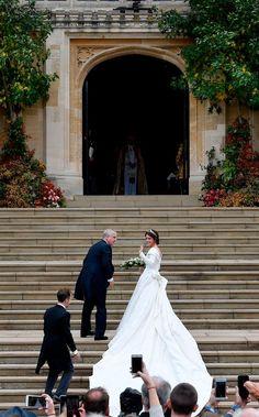 Princess Eugenie& Princess Wedding Dress Was Such a Curveball - Royal Wedding Gowns, Sexy Wedding Dresses, Royal Weddings, Princess Wedding Dresses, Elegant Wedding Dress, Bridal Gowns, Famous Wedding Dresses, Most Beautiful Wedding Dresses, Cinderella Dresses