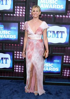 2010 CMT Music Awards - Faith Hill