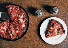 The deep-dish pies at Pequod's Pizza in Chicago (bon appétit) Chicago Travel, Chicago Trip, Chicago Magazine, Chicago Restaurants, Deep Dish, Foods To Eat, International Recipes, Bon Appetit, Street Food