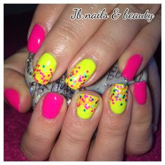 Neon pink & yellow gel polish on natural nails