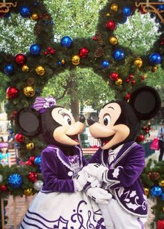 Mickey & Minnie in their beautiful holiday attire in Disneyland Paris