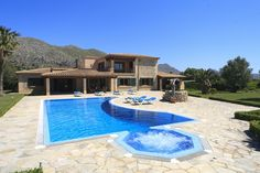 VILLA LES OLIVERES is a delightful villa set in an enviable position, just off the road which runs between Puerto Pollensa, with its wonderful beaches and Pollensa,with its charming and historic old town. Within easy reach too of the tranquil resort and beaches of Cala St Vicente.