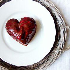 #vegan #heart #food #Valentine'sday #yumm #nomnom #whatvegabseat #health #fitness #veganfoodshare #govegan #light #cake #hazelnut #chocolate #cream #pastry #chef #baker #cook #cheflife