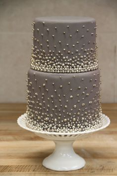 Gray pearled cake. i don't like the cake shape, but i like the design.