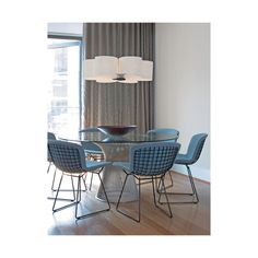 Bertoia Side Chairs and Platner Table Harry Bertoia displayed a unique stroke of genius with his patented Diamond Chair for Knoll International in Bertoia was an. Nachhaltiges Design, Deco Design, Design Moderne, House Design, Interior Design, Milan Design, Design Ideas, Tulip Dining Table, Dining Table Design