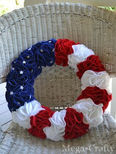 Stars and Stripes Wreath with tiny stars (Also, a good picture tutorial for the other felt-square wreaths)