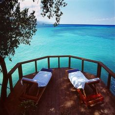 Turquoise Sea, Jamaica... wow, could lay and relax for days with this view