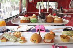 ロンドンの名所を巡るビンテージ・バスの中で楽しめるアフタヌーン・ティーのバスツアーに潜入!