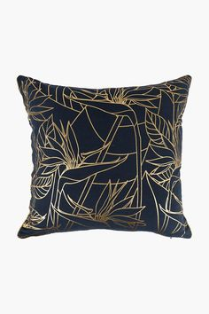 This stunning scatter with a trendy strelitzia outline and metallic finish can instantly transform a room set from boring to modern. Printed Cushions, Cushions, Decor Gifts, Scatter Cushions, Room Set, Home Decor Shops, Throw Pillows, Room, Prints